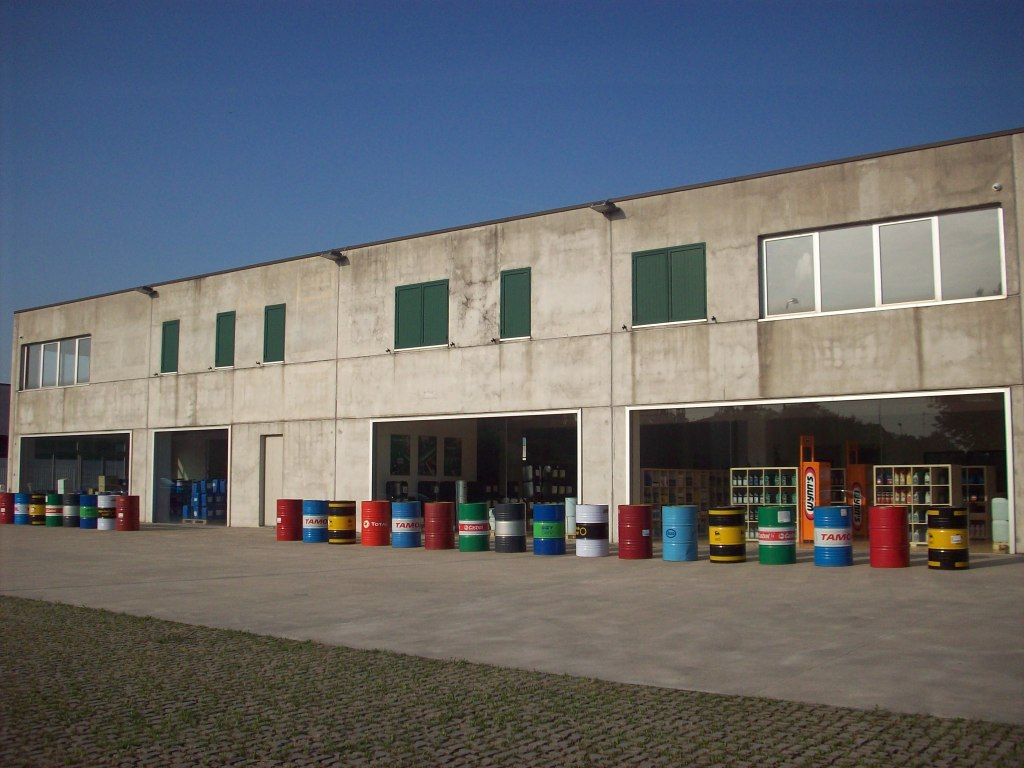 Idl italiana distribuzione lubrificantil 39 azienda idl for Distribuzione italiana arredamenti